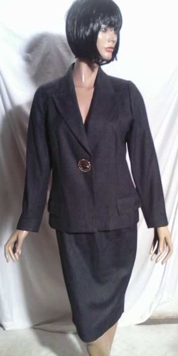 Valentino - Gray wool suit and gold brooch - Size: 40 FR - 12 UK - 44 IT
