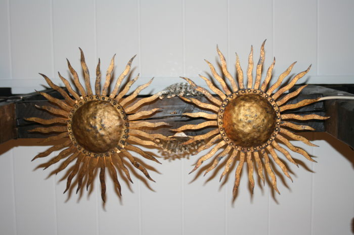 Unknown designer - Ceiling lamps as sun with radiate wreath