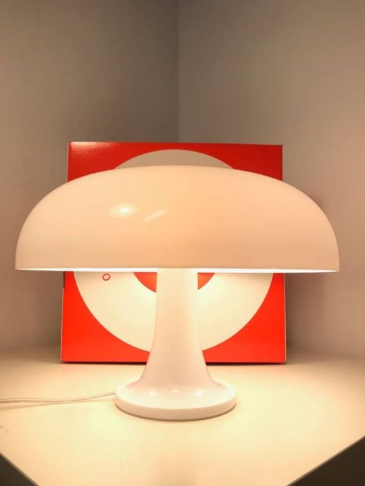 Giancarlo Mattioli - Artemide - Nessino White Table Lamp