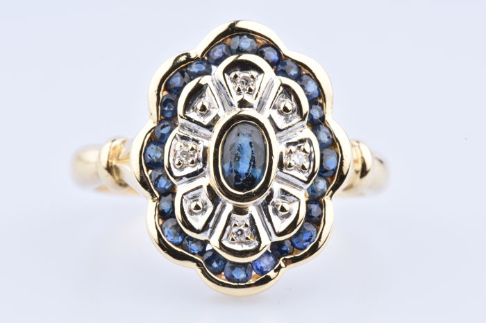18 kraat Gulguld - Ring - 0.60 ct Safir - Diamant