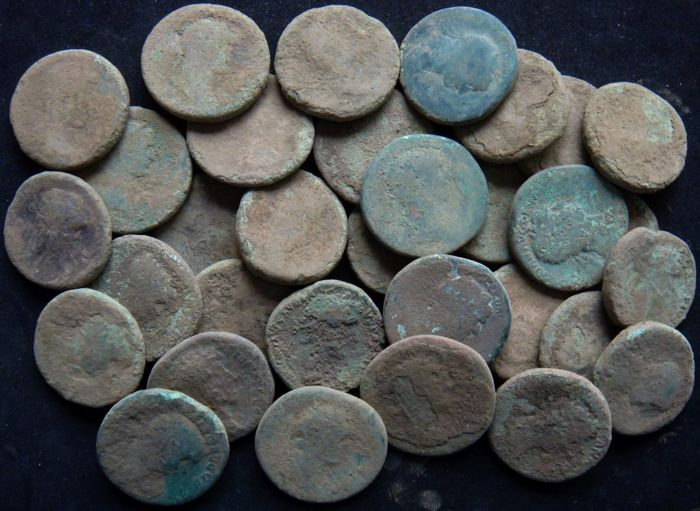 Roman Empire - Lot comprising 33 AE Sestertii, 1st-2nd Cent. AD
