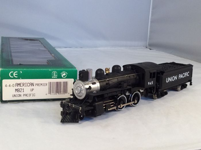 Mehano H0 - M821 - Steam locomotive with tender - 4-4-0 - (4247) - Union Pacific Railroad