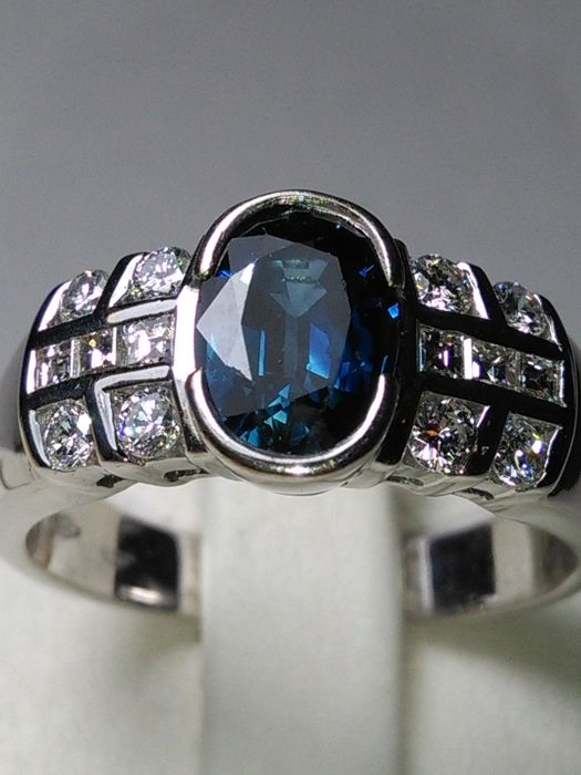 Totale 2,35 ct White gold - Ring Diamond - Sapphire