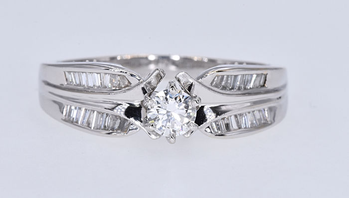 White gold - Ring - 0.35 ct Diamond - 0.57 ct Diamonds