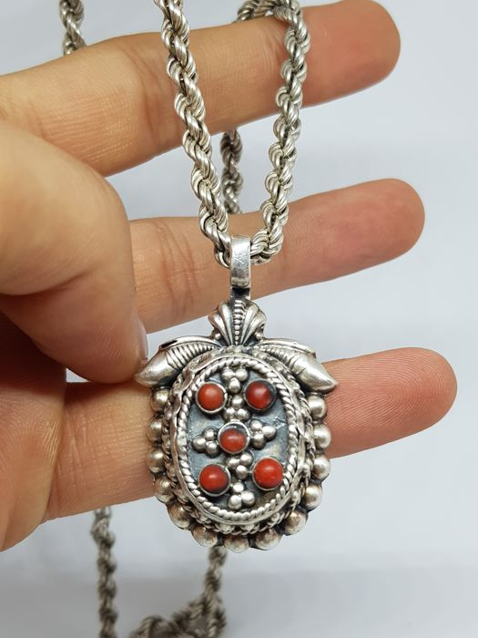 925 Silver - Necklace with pendant coral