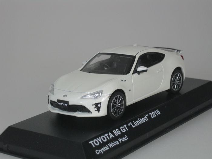 """Kyosho - 1:43 - Toyota 86 GT """"Limited"""" - 2016 - crystal white pearl"""