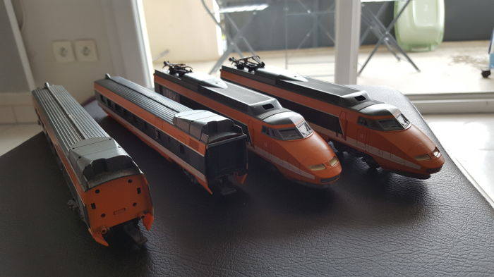 Lima H0 - TGV set consisting of 4 carriages of the SNCF