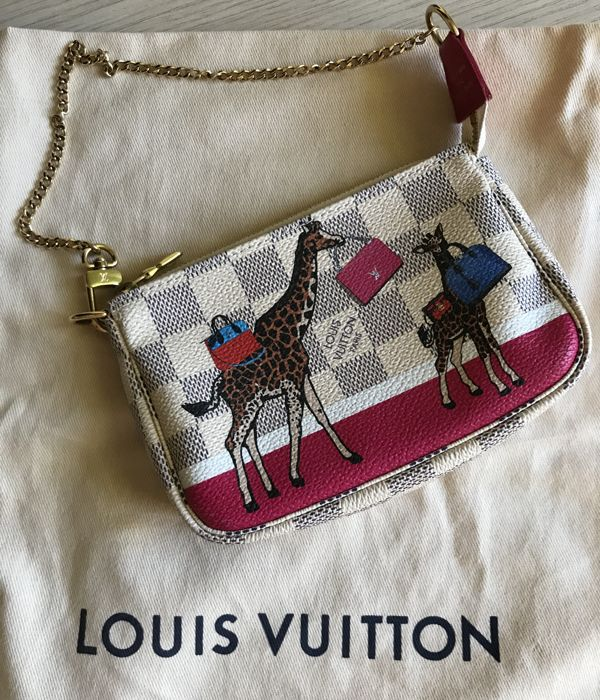 Louis Vuitton - Mini pochette accessoires Christmas Animation 2017 18  Clutch bag - Catawiki 3c49e9e3c99c7