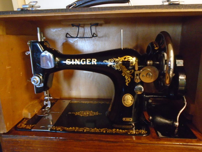 Singer 128K - Naaimachine, Sewing machine in suitcase, 1955 - Staal