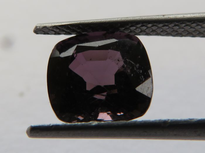 Spinel - 2.21 ct