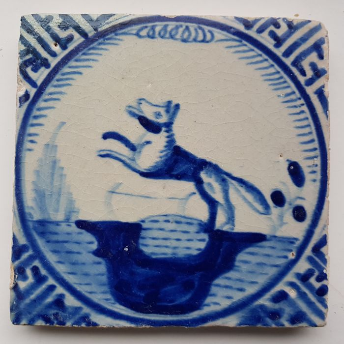 Rotterdam crown tile with fox (1) - Earthenware