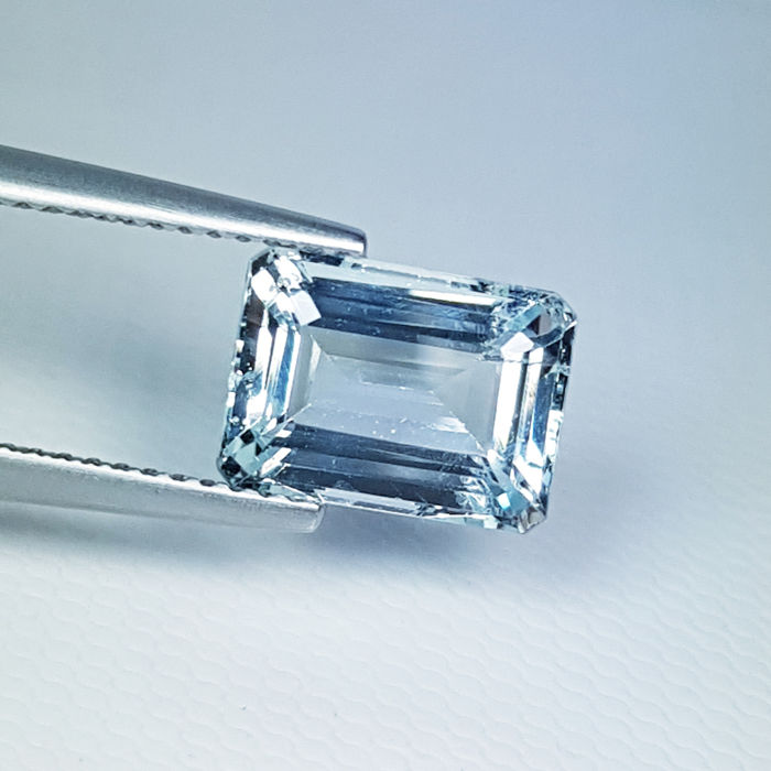 Blue, Green Aquamarine - 2.75 ct