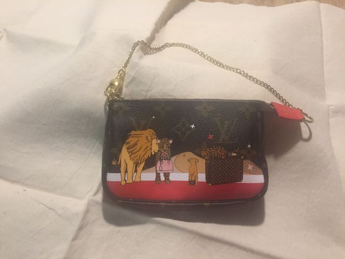 3eaf5aefd424 Louis Vuitton - Mini Christmas 2018 Lion Limited TrunkClutch bag Bags  Exclusive Bags for sale More pictures. Catawiki