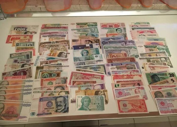 World - 90 banknotes - various countries