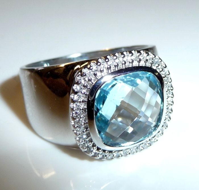 Gerry Weber - 14 kt. White gold - Wide ring 0.40 ct. Diamonds + 5 ct. blue topaz