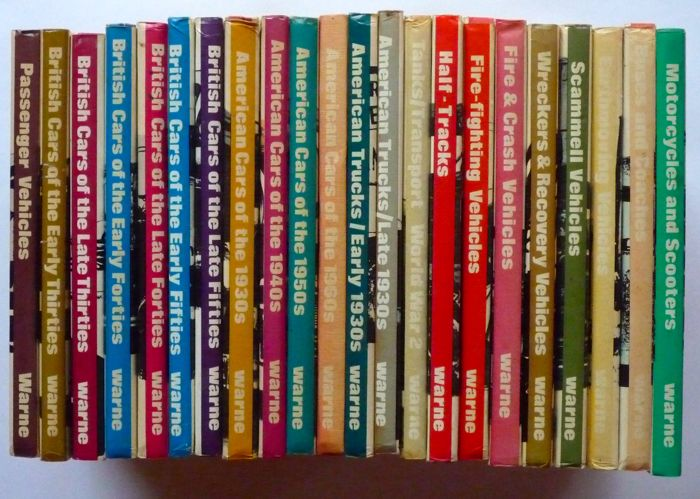 Boeken - Olyslagers Auto Library 22 Volumes Frederic Warne Publishers - 1976 (22 items)