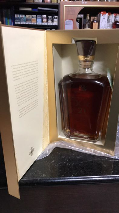 Johnnie Walker 21 years old XR - Legacy Blend - 750ml