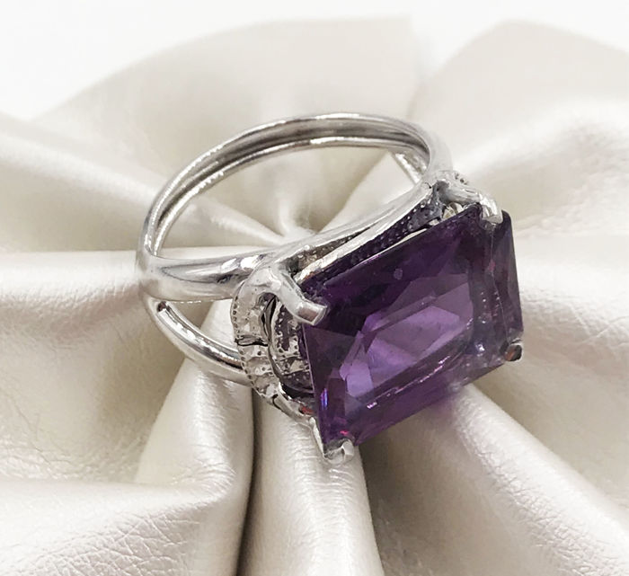 18 kt. White gold - Ring - 13.50 ct Amethyst