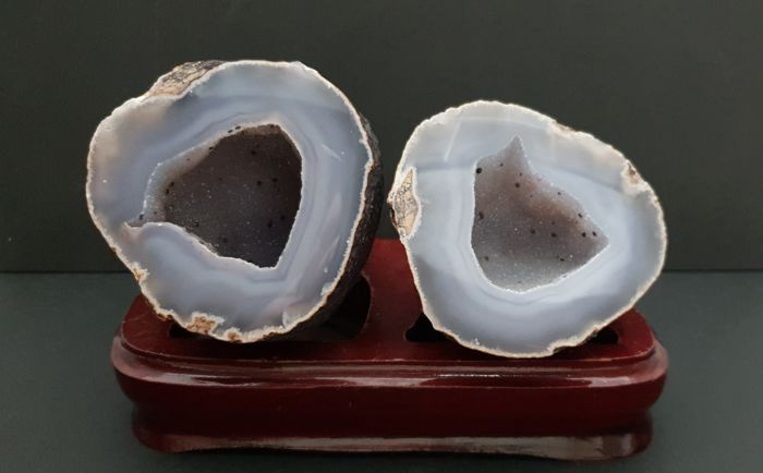 Agate (variety of quartz) Geode - 96.2×76×90.1 mm - 583 g - (2)