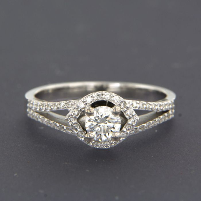 14 karat Hvitt gull - Ring - 0.62 ct Diamant
