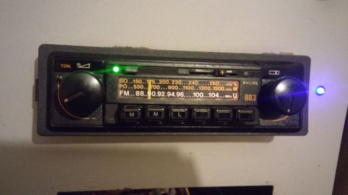 Vintage stereo autoradio 2 fronts - Philips 883 stereo - 1980-1983