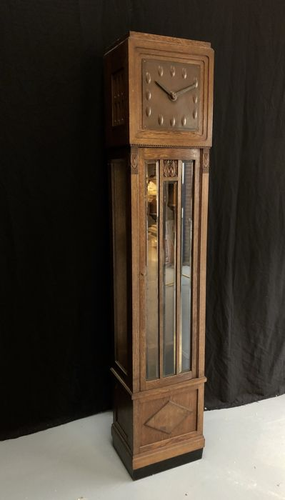 Amsterdam School - grandfather clock - Wood, Oak - Period 1920 - 1935
