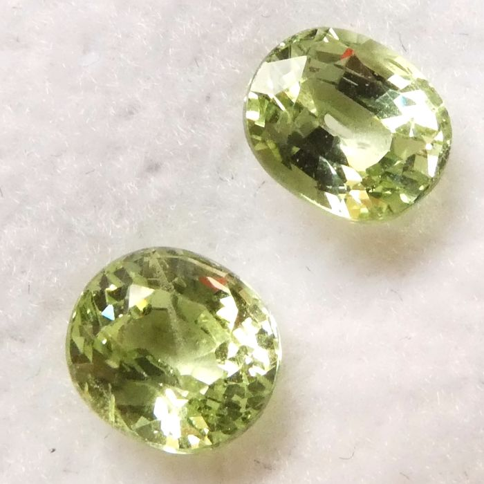 2 pcs  Tsavorite - 2.16 ct