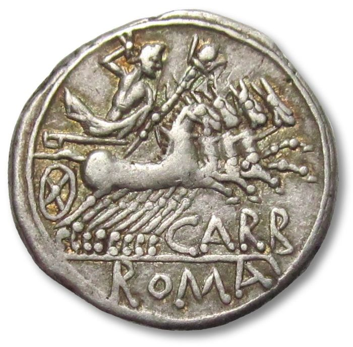 Romeinse Republiek - AR Denarius, Cn. Papirius Carbo. Rome 121 B.C. - with gold irridescent toning - Zilver