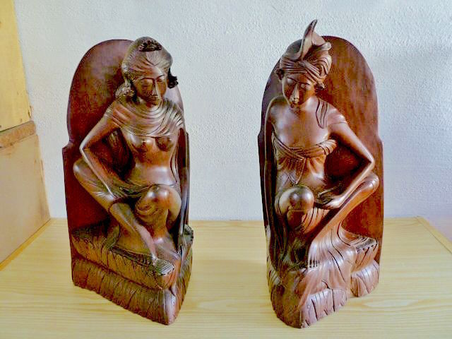 Book ends (1) - Wood - I. Md. Senah Mas Bali - Bali, Indonesia