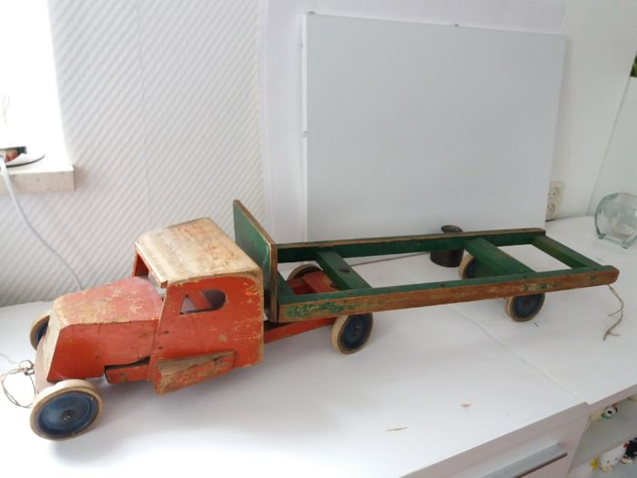 ADO - Old wooden truck with trailer (2)