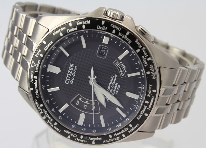 "Citizen - Titanium Radio Controlled ECO Drive ""NO RESERVE""  -  World Perpetual A-T Mint Condition - Box & Papers - Heren - 2011-heden"