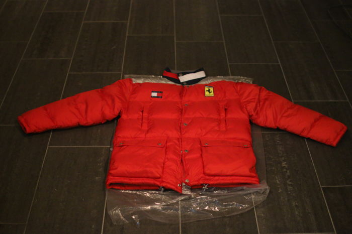 Clothing - New Vintage Tommy Hilfiger x Ferrari Puffer Winter Jacket - 1990 (1 items)