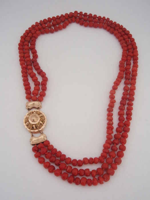 14 kt. Pink gold - 3 row red coral necklace, Necklace blood coral