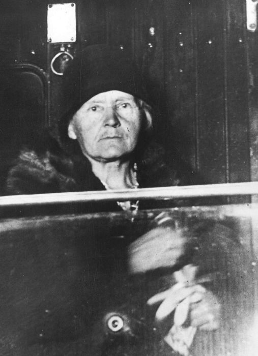 Unknown/International Newsreel Photos - Madame Marie Curie leaves New York, 1929