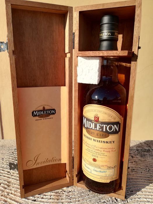 Midleton bottled 2001 - Very Rare - 0.7 Ltr