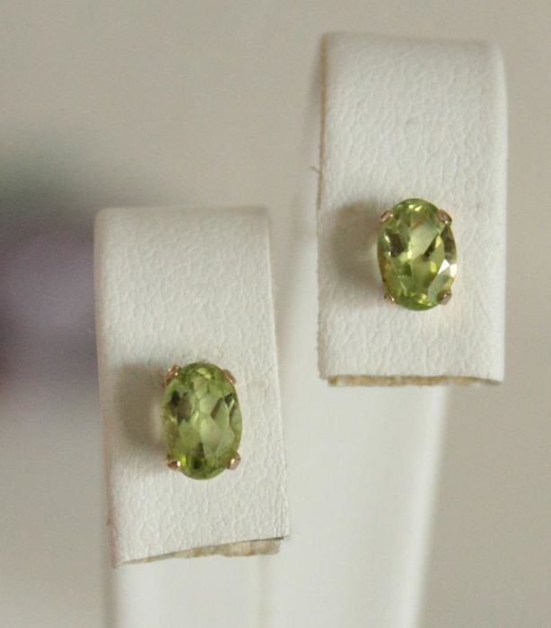 10k Gold - Ohrringe - 1.00 ct Peridot