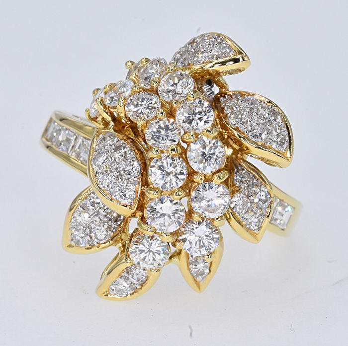 18 karaat Goud - Ring - 2.37 ct Diamant