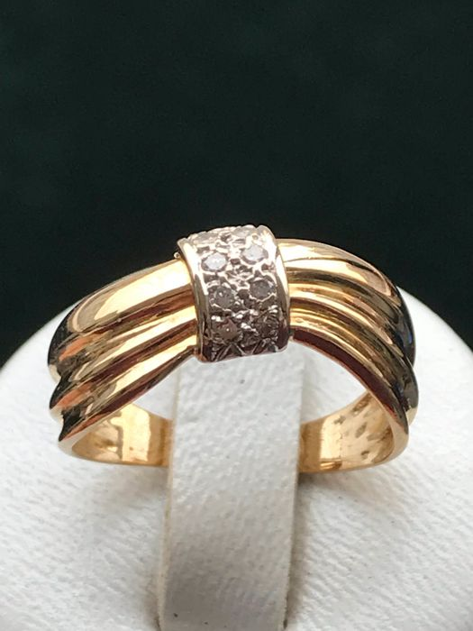 18 kt Gold - Ring - 0.08 ct Diamant
