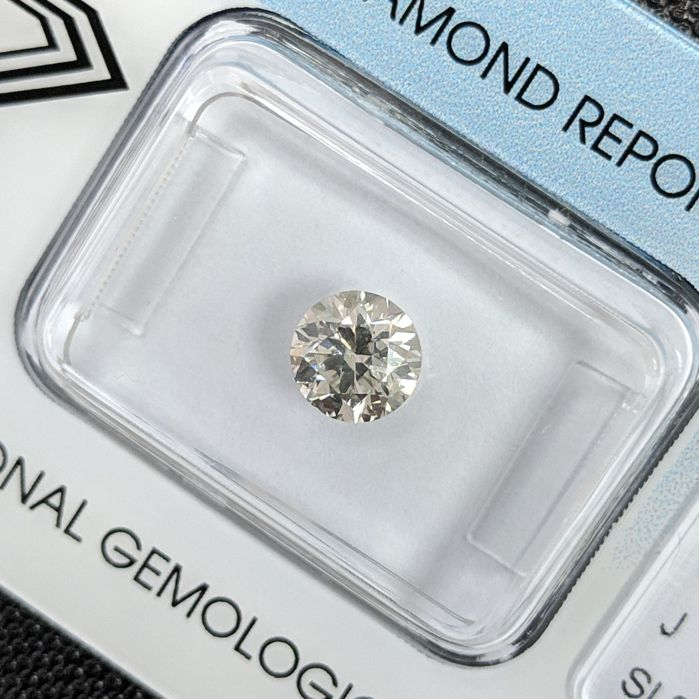 Diamond - 0.90 ct - Brilliant - J - IGI Antwerp, SI2