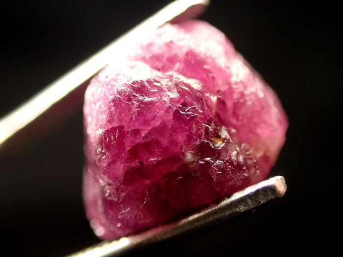 Beautiful Violet / Red Color Ruby Crystals Untreated 49,660ct - 0×0×0 mm - 9.932 g