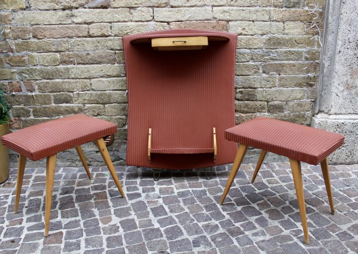 Console, two stools (3)