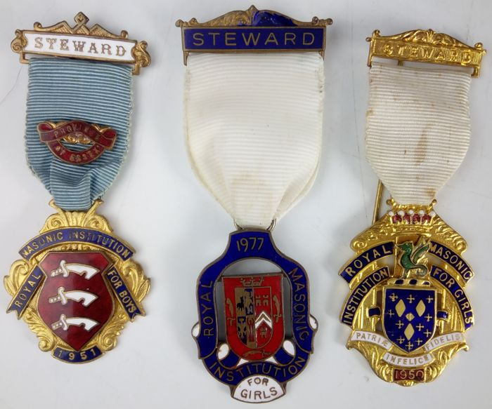 Selectie van Masonic emaille Steward badges - Freemasonary