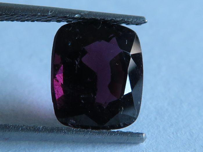 Spinel - 2.50 ct