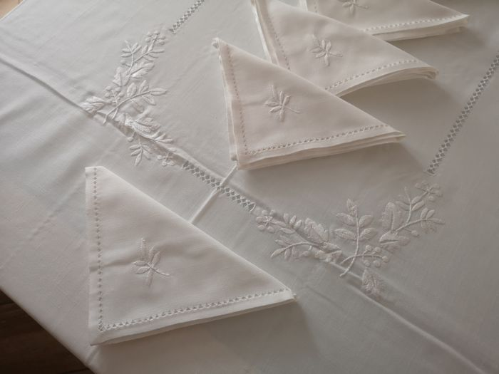 Ricamo Punto pieno a mano - Mixed linen tablecloth with full stitch embroidery - linen blend 60% cotton and 40% linen