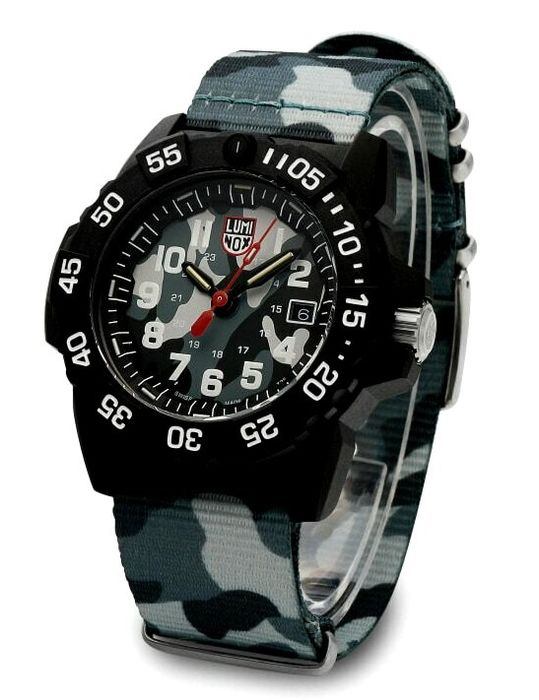 Luminox - Sea Turtle Giant in Carbonio 100 ATM Limited  - 0337 - Herren - 2019
