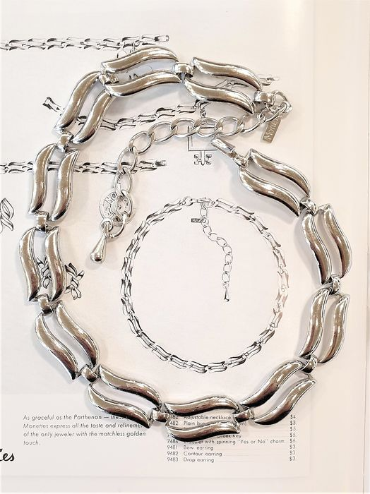 """MONET silver plated  - """"MEDLEY"""" necklace - Book Piece - New York 1958"""
