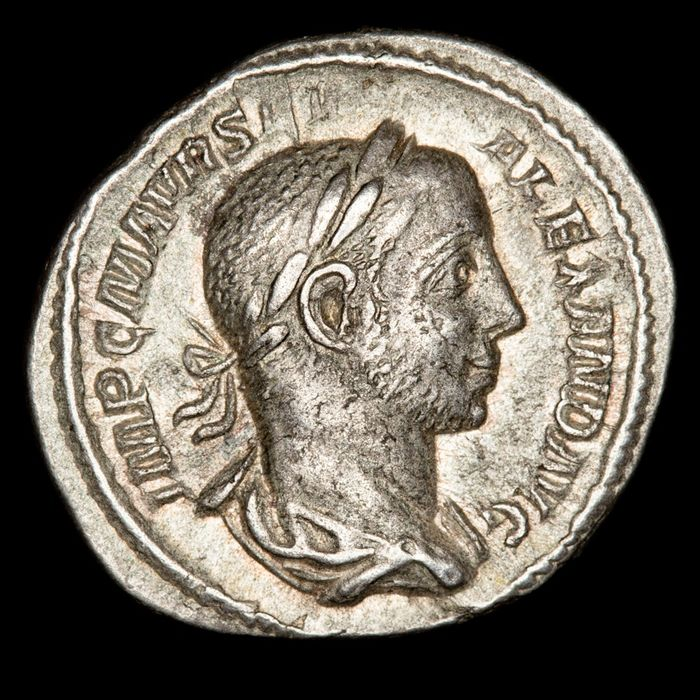 Roman Empire - AR Denarius, Severus Alexander (222-235 A.D.) - PAX AVG / Pax advancing to left with olive branch - Silver