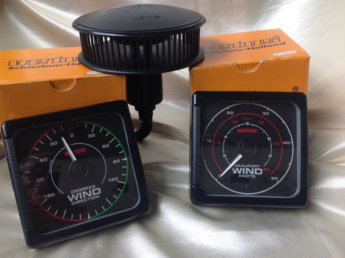 VETUS wind speed + wind direction meter WITHOUT moving parts - Plastic - 20th century