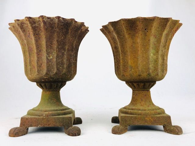 Garden vases on legs 24 cm (2) - 20th / 21st century