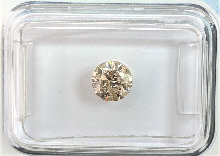Diamante - 0.66 ct - Brillante - Brown - I3 (piqué), IGI Antwerp - No Reserve Price
